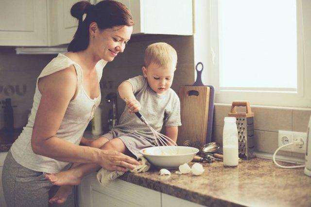 Как приучить ребенка к труду и работе?