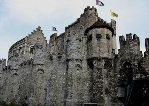 Замок Феодала - сообщение доклад